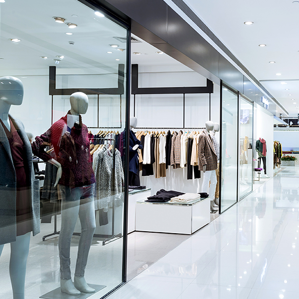 centre commercial boutiques magasin vitrines commerce